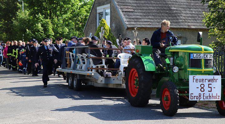 Feuerwehr Groß Eichholz: ein Festumzug zum 85. Geburtstag