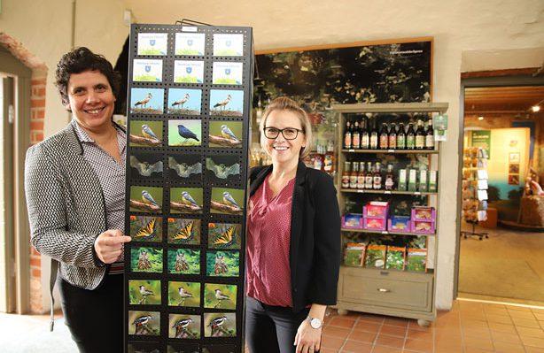 Sylvia Bartusch und Antje Hilsing freuen sich über jeden Gast. Foto: Lokalanzeiger Storkow/ Marcel Gäding