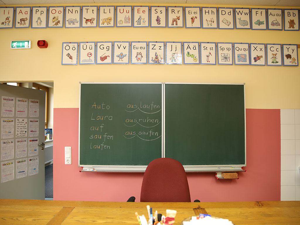 Blick in ein Klassenzimmer in der Europaschule in Storkow. Foto: Marcel Gäding