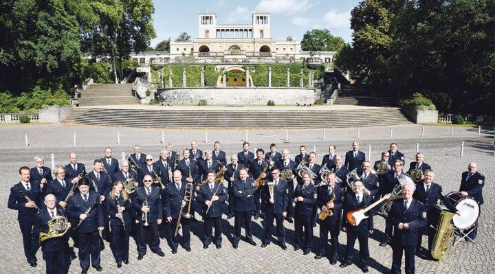 Das Landespolizeiorchester Brandenburg unter der Leitung von Christian Köhler ist nicht das erste Mal zu Gast in Storkow (Mark). Foto: Michael Lüder