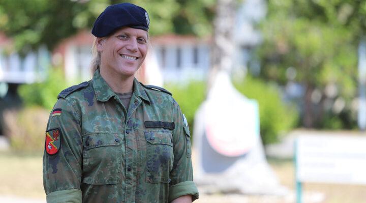 Oberstleutnant Anastasia Biefang übernahm im Oktober 2017 das Kommando über das Informationstechnikbataillon 381 der Bundeswehr in Storkow. Foto: Marcel Gäding