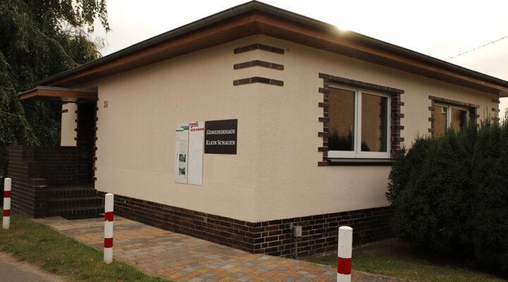 Das Dorfgemeinschaftshaus des Storkower Ortsteils Klein Schauen liegt direkt an einem Radweg. Aktuell gibt es dort aber im Gegensatz zu anderen Gemeinden kein kostenfreies WLAN. Foto: Marcel Gäding