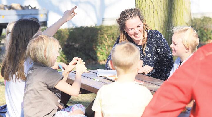 Erste Tagung des Jugendortsbeirats von Groß Schauen: Mutter Eve Fank leitete die Sitzung zum Auftakt. Foto: Marcel Gäding