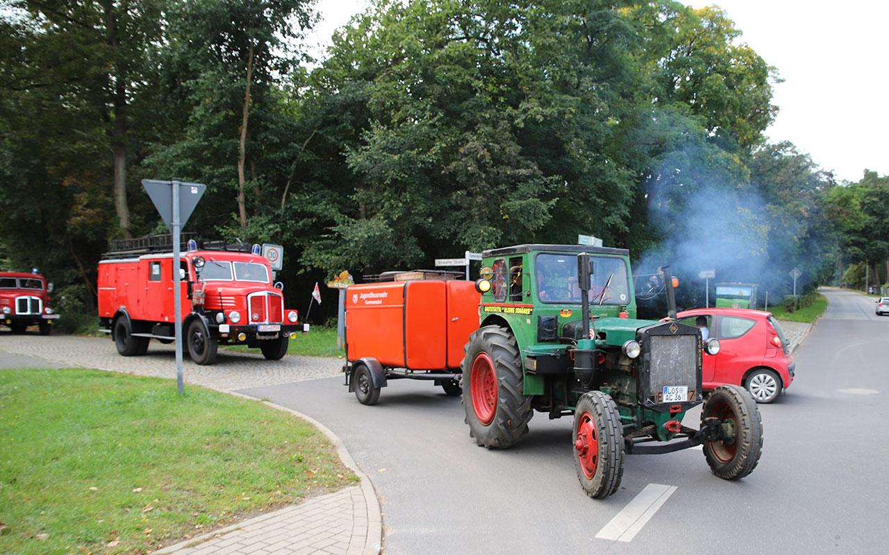 Impression vom Festumzug anlässlich 90 Jahre Freiwillige Feuerwehr Kummersdorf am 2. Oktober 2021. Foto: Marcel Gäding
